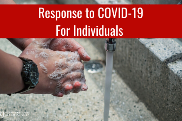 Individual in Toronto / Mississauga washing hands to prevent COVID-19.